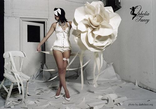 Модное белье ручной работы стилизированное под винтаж