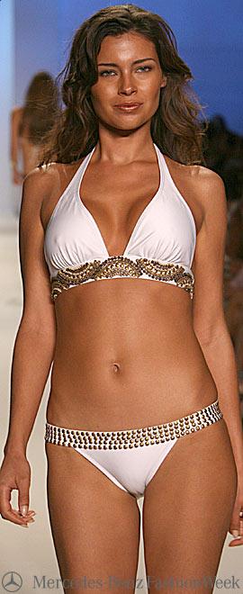 Показ новой коллекции купальников 2009 от Vix Swimwear