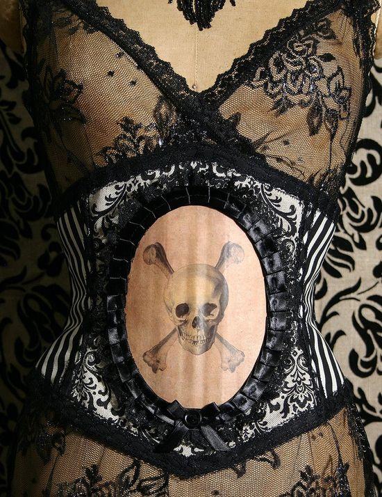 Готический пиратский корсет ручной работы с принтом черепа
