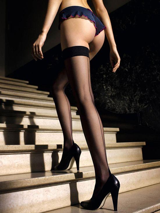 фото красивых девушек в чулках и в каблуках