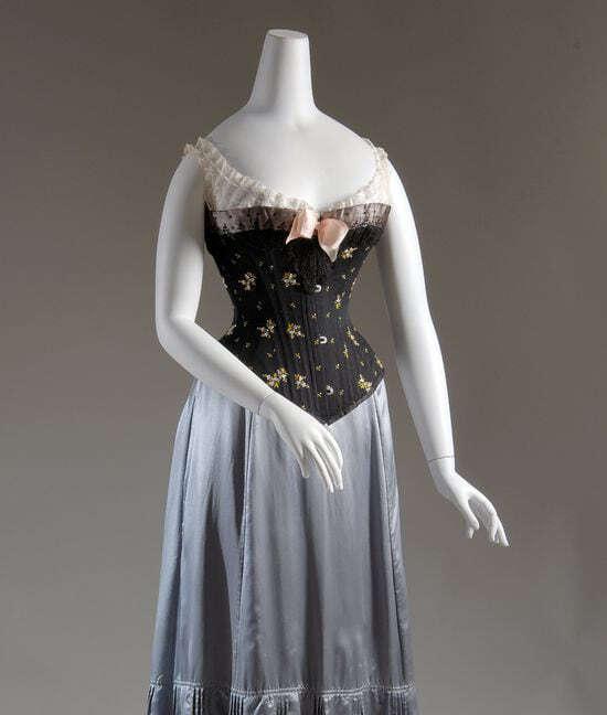 250 лет сексуальности в моде - один из экспонатов выставки