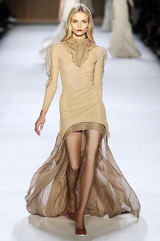 Платья 2009 от Нины Риччи, весенняя коллекция, модель Наташа Поли