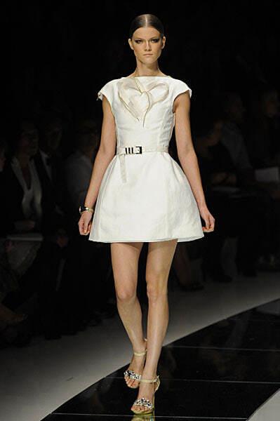 Новая коллекция платьев от Версаче, сезон весна 2009, модель Кася Штрусс
