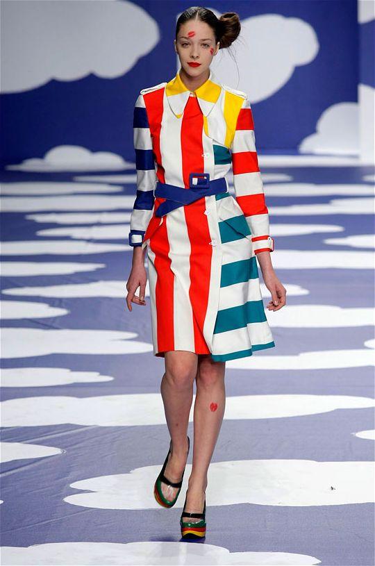 Китчевая коллекция одежды от Jean-Charles de Castelbajac, весна лето 2009 и наряды для Lego, сезон 3001