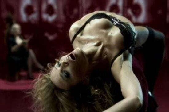 Кайли Миноуг – первоклассный «Испытатель»! Супер-сексуальная реклама белья признана лучшей в истории кинематографии