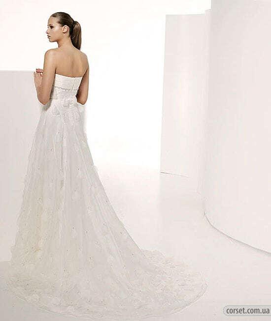 Свадьба 2009. Часть 4. Свадебные платья с длинным шлейфом