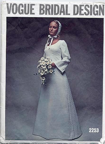 Фото свадебных платьев в стиле 60 годов.  Вечение платья 1960 1970 годов...