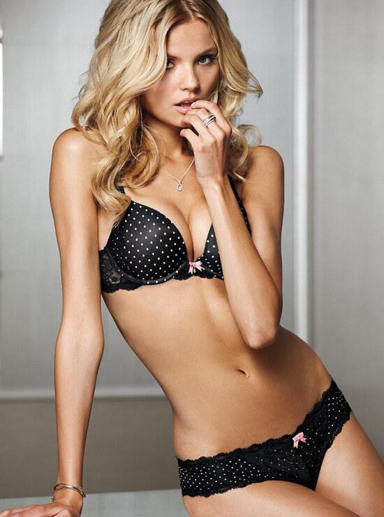 Магдалена Фраковяк в каталоге Victoria's Secret